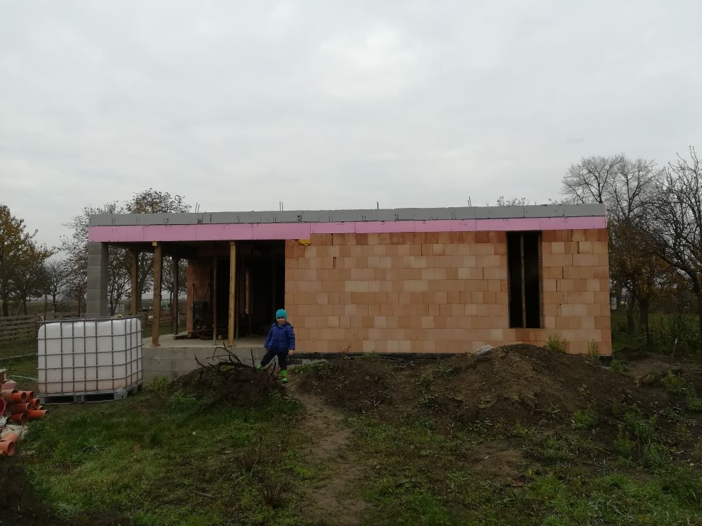 Pozemok + projekt + hruba stavba - Maty na kontrole