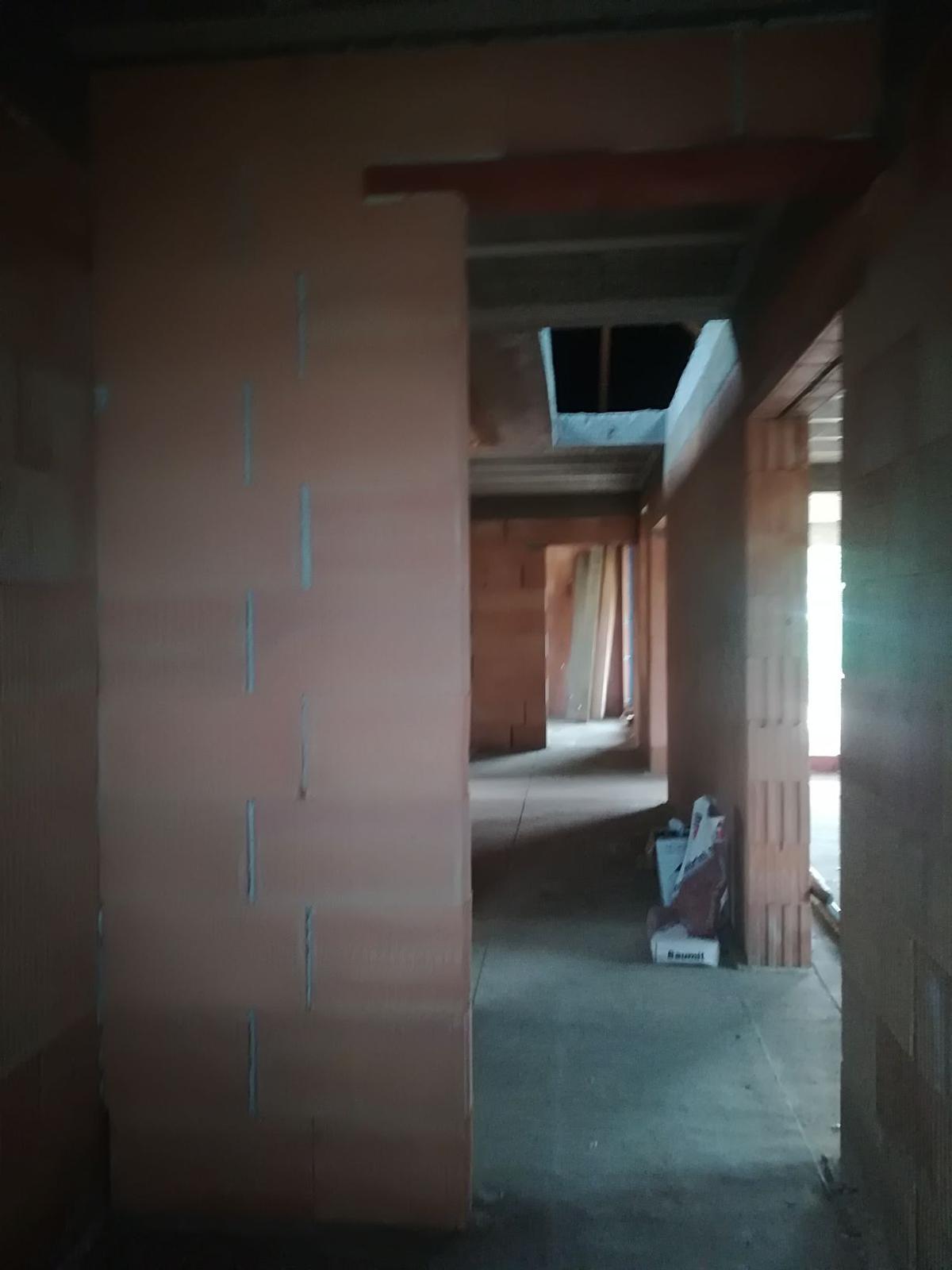 Pozemok + projekt + hruba stavba - Obrázok č. 206