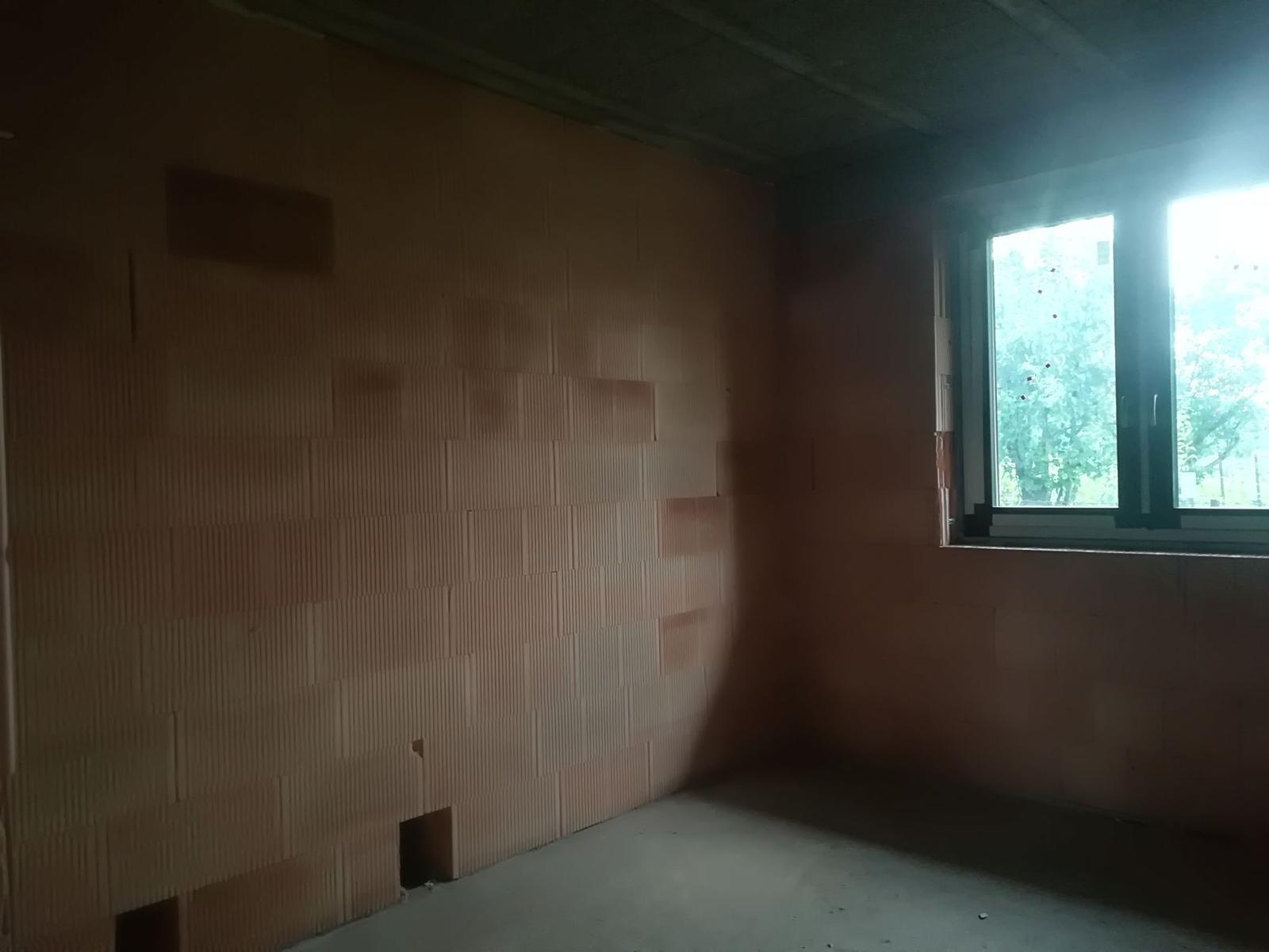 Pozemok + projekt + hruba stavba - Obrázok č. 209