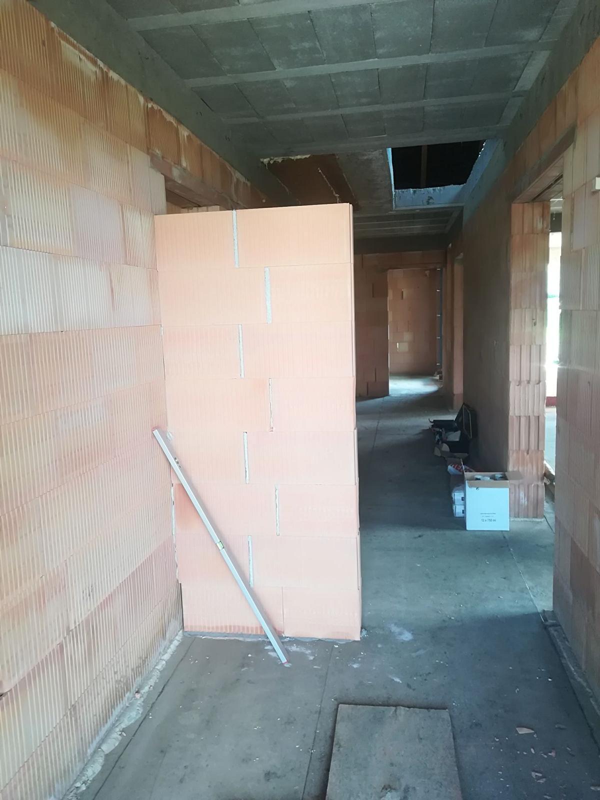 Pozemok + projekt + hruba stavba - Obrázok č. 225