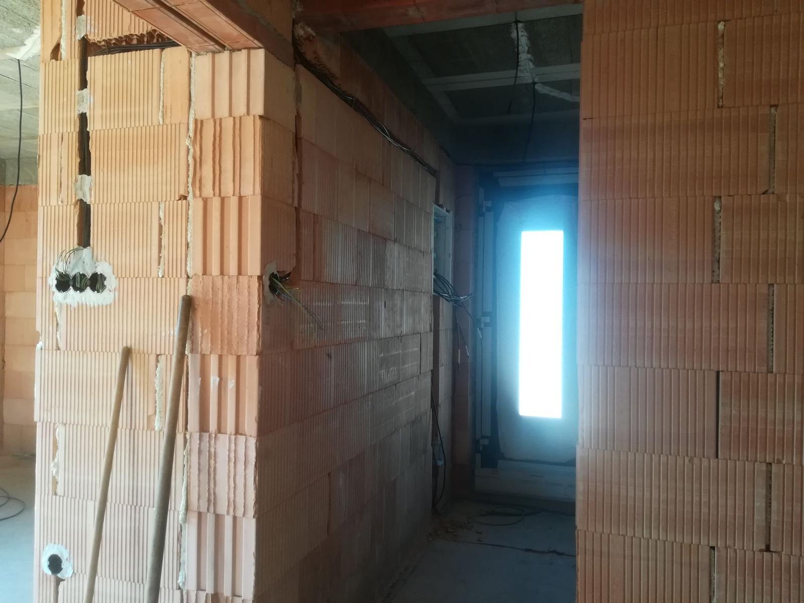 Pozemok + projekt + hruba stavba - Obrázok č. 227