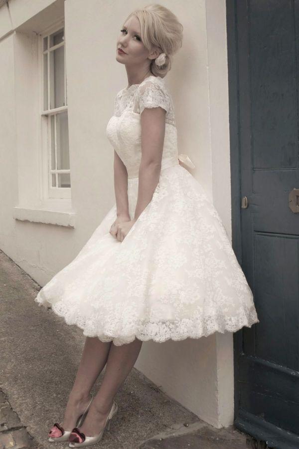 Svatební šaty - inspirace - Obrázek č. 33
