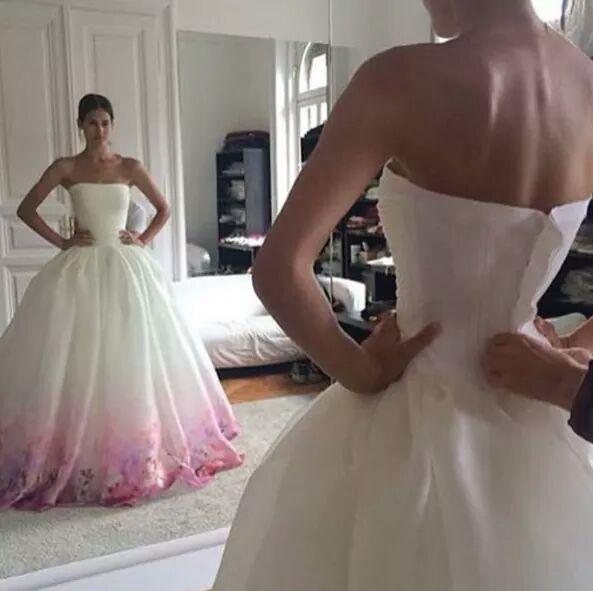 Svatební šaty - inspirace - Obrázek č. 98