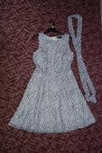 Puntíkované šaty, 38