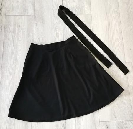 Černá sukně do áčka - Obrázek č. 1