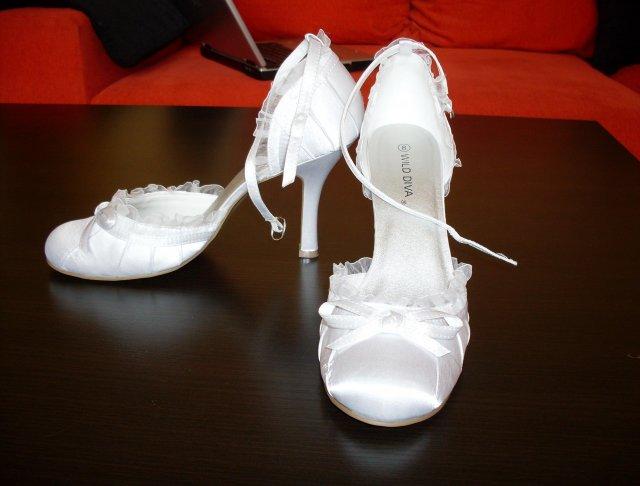 Pripravy na 10.10 2009 II. - svadobne sice trosku vysoke ale dajako tu uz vydrzim:-)))