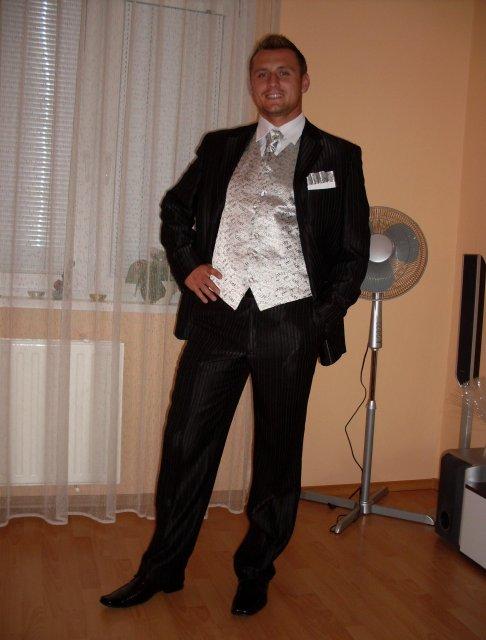 Pripravy na 10.10 2009 II. - Konecne ma ajon uz oblek:-)
