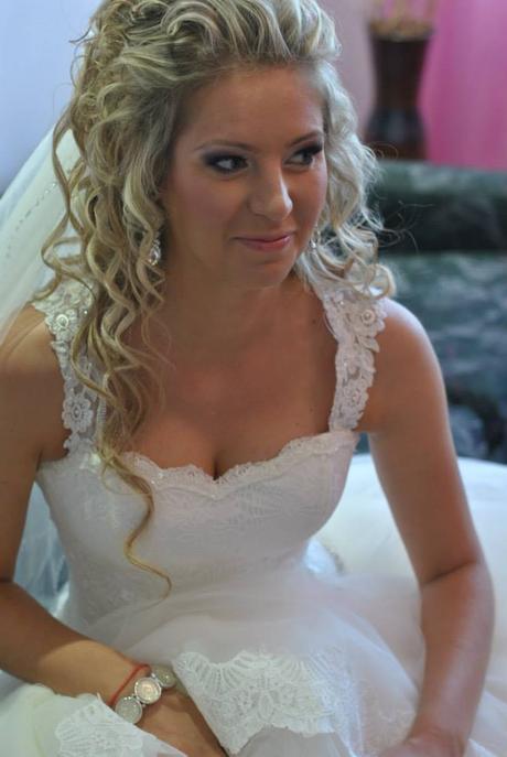 Svadobné šaty v jednoduchosti je krása  - Obrázok č. 3