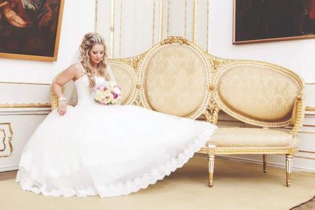 Svadobné šaty v jednoduchosti je krása  - Obrázok č. 1