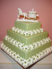 Poschodova torta musi byt