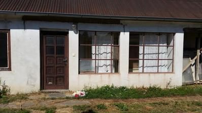 Pôvodný stav-dom bol rozdelený na dve obývatelné jednotky