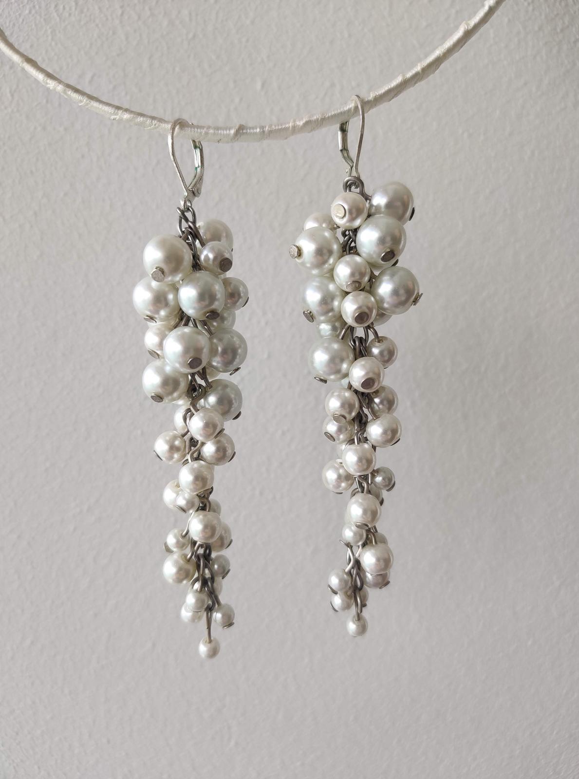 Biele perličkové strapcové náušnice - Obrázok č. 1