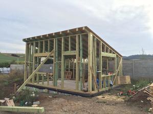 dílna má střechu - 3.9.2016
