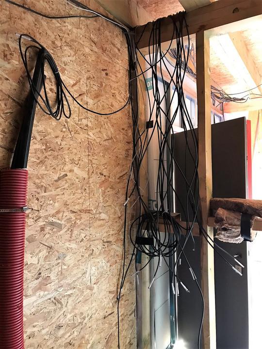 7.10.2018 - tu kabel,tu kabel, kabel everywhere