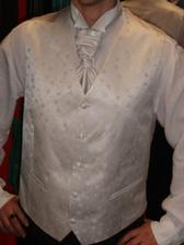 detail vesty, košile bude čistě bíla bez stojačku!!