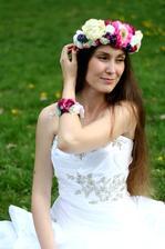 Kvetinová parta, vhodná aj na obrat čepčenia, alebo namiesto závoja