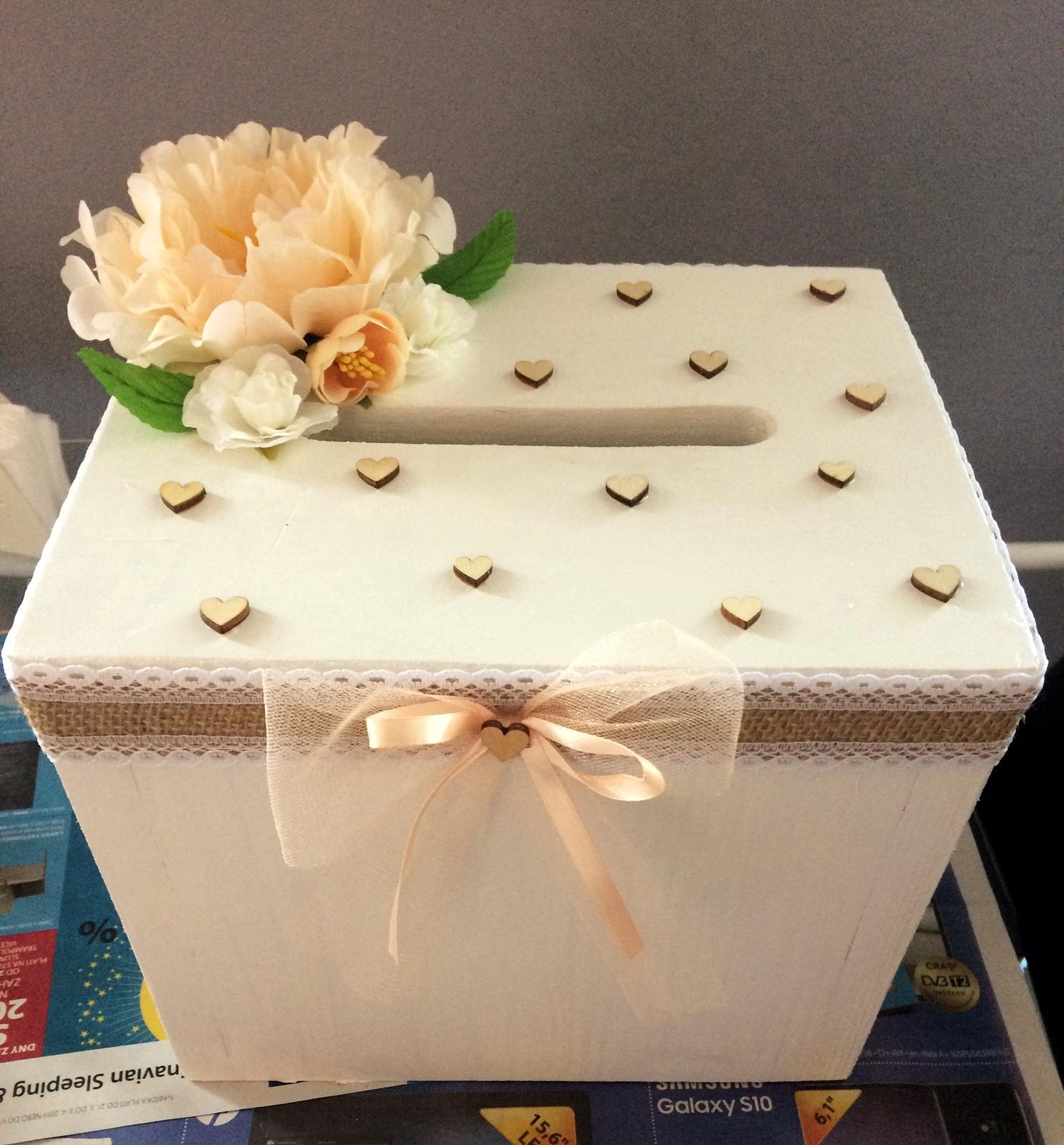 Naše svatební přípravy K+P - Naše vlastnoručně vyrobená krabička na dary a přání 🙂