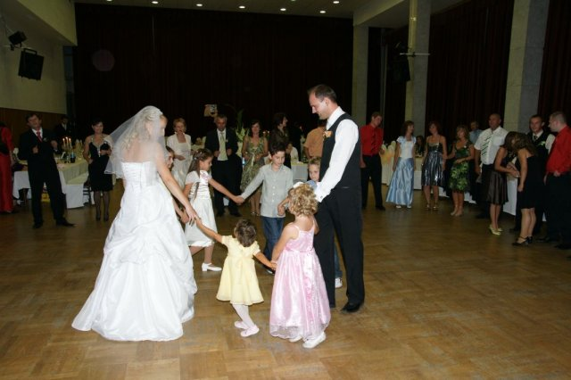 Diana{{_AND_}}Miroslav - Tanec s deťmi
