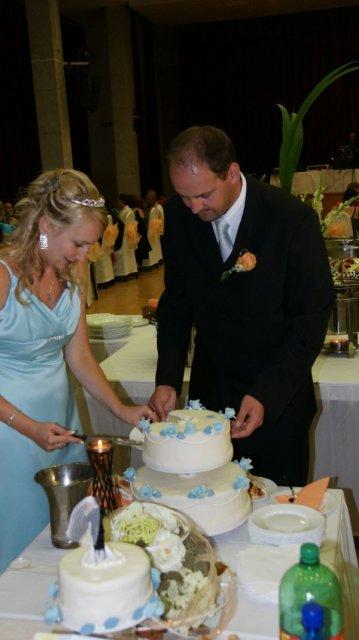 Diana{{_AND_}}Miroslav - krájanie svadobnej torty