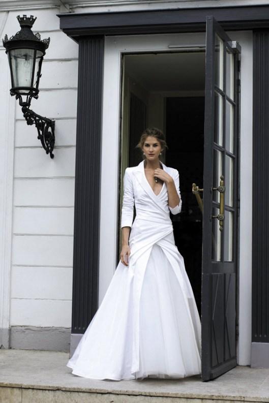 Nápady na méně tradiční svatební šaty - Obrázek č. 10