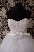 Zdobené svatební šaty, 46