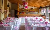 Svatební dekorace ve sv. růžové barvě,