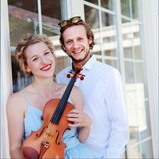 Hudba na obrad - Kristina Uhlikova (husle&spev) a Juraj Janík (klavír)