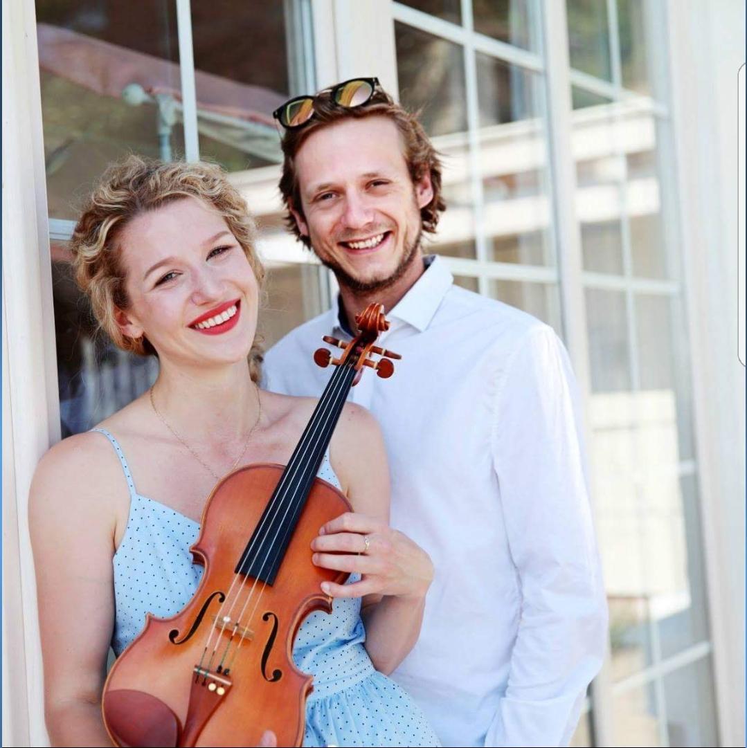 Náš deň - Hudba na obrad - Kristina Uhlikova (husle&spev) a Juraj Janík (klavír)