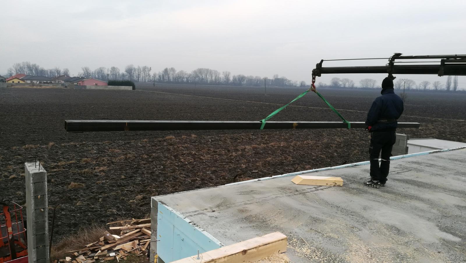 Na pangeroch - 12 metrovy nosnik 2x zvarene UPN160