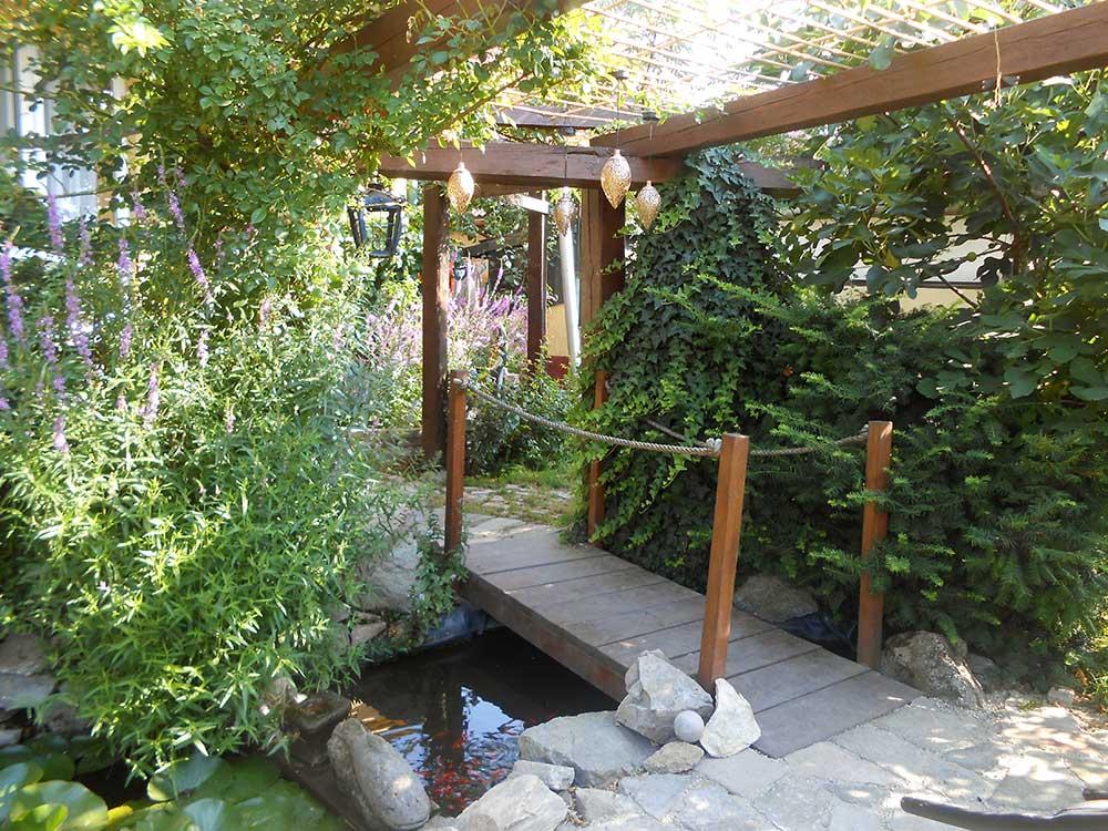 Súťaž Moja záhrada 2021 - Svätý Jur - Obrázok č. 1