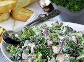 Brokolicový šalát: https://www.zahrada.sk/magazine/rychla-vecera-brokolicovy-salat-s-tuniakom