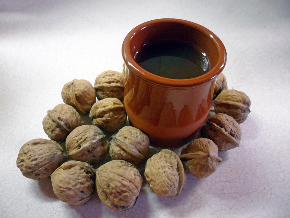 Ako spotrebovať dary záhrady/ Recepty zo záhrady - Nevyhadzujte škrupinky! Orechový čaj vás zbaví kašľa ;) Recept: https://www.zahrada.sk/magazine/nevyhadzujte-skrupiny-orechovy-caj-vas-zbavi-kasla