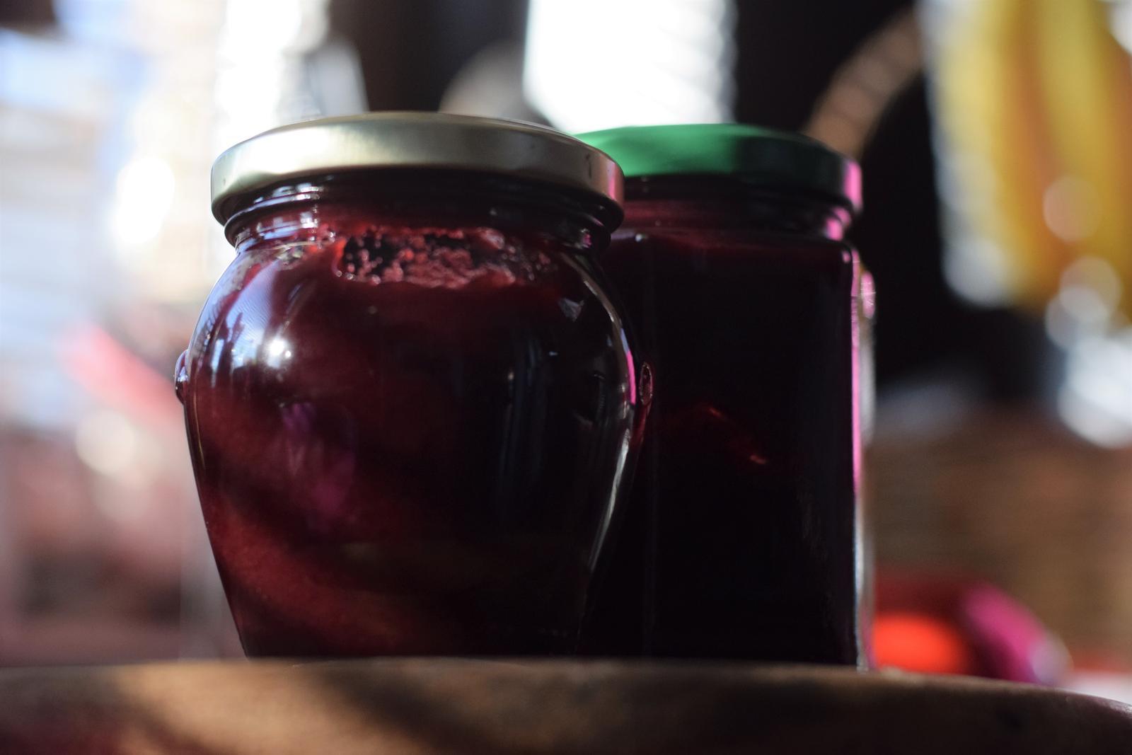 Ako spotrebovať dary záhrady/ Recepty zo záhrady - Trnkovo - jablkový džem, foto: Martina Töröková, recept: https://www.zahrada.sk/magazine/trnky-daju-sa-vyuzit-aj-ked-vam-nechutia