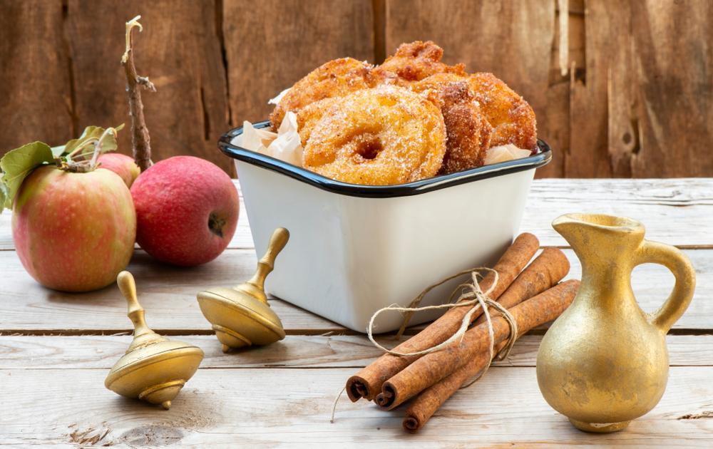 Ako spotrebovať dary záhrady/ Recepty zo záhrady - Jablká v župane, recept: https://www.zahrada.sk/magazine/jablka-v-adventnej-kuchyni-je-nieco-lepsie-ako-jablkovy-kolac