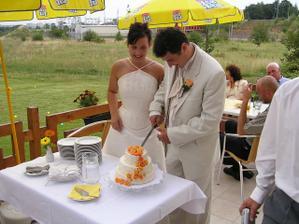 Náš výborný svatební dortík