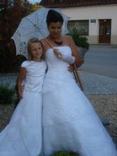 půjčeno, omlouvám se nevěstě, jinde jsem ty šaty nenašla