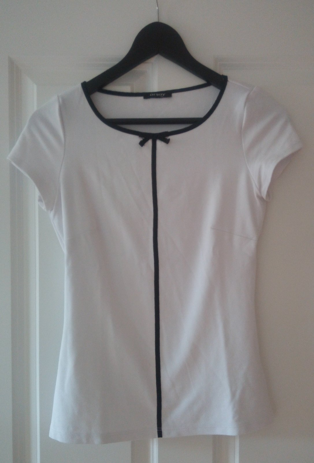 Biele tričko s mašličkou - Obrázok č. 1
