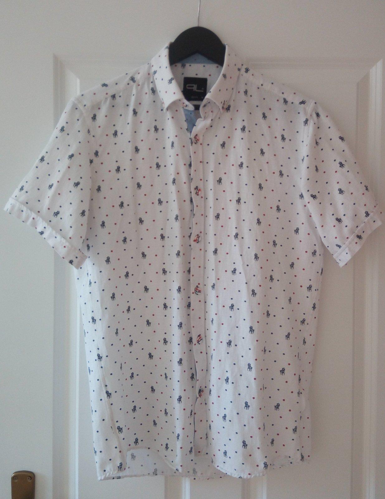 Vzorovaná biela košeľa - Obrázok č. 1