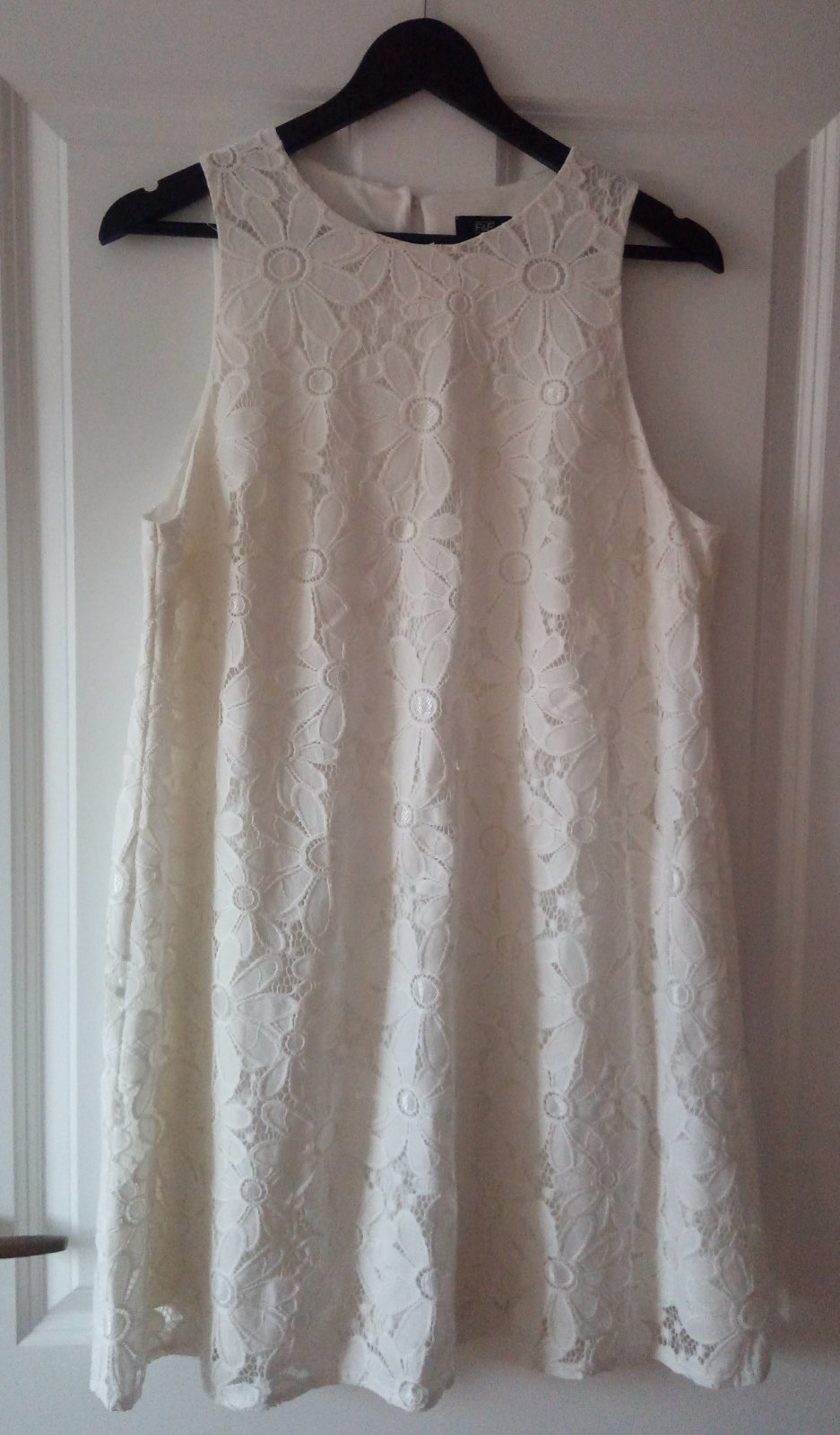 Biele čipkované šaty - Obrázok č. 1
