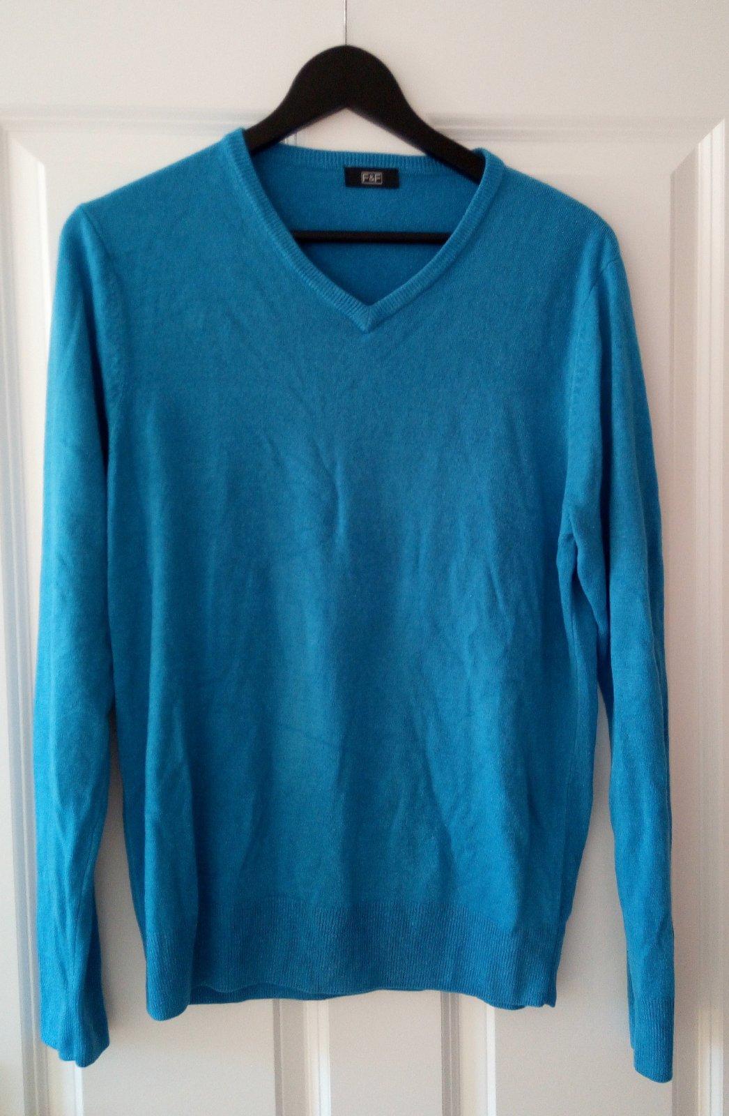 Bledomodrý pánsky sveter M - Obrázok č. 1