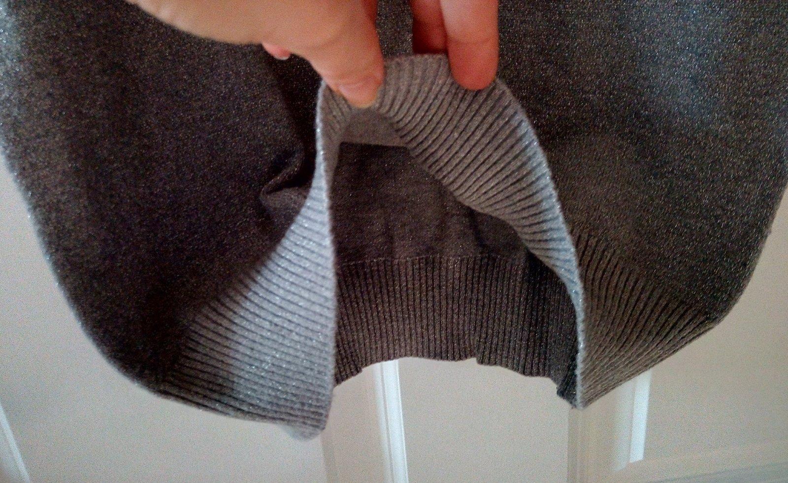 Sivý dlhší vlnený svetrík S/M - Obrázok č. 2