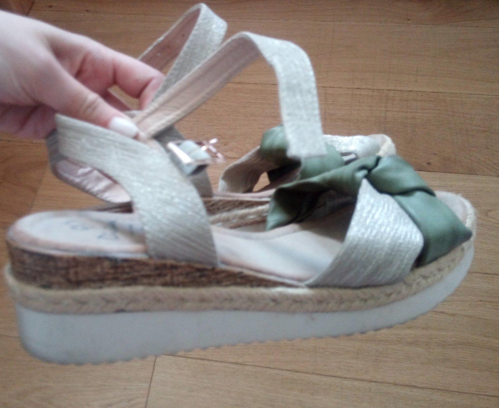 Zeleno - krémové sandálky 38 - Obrázok č. 1