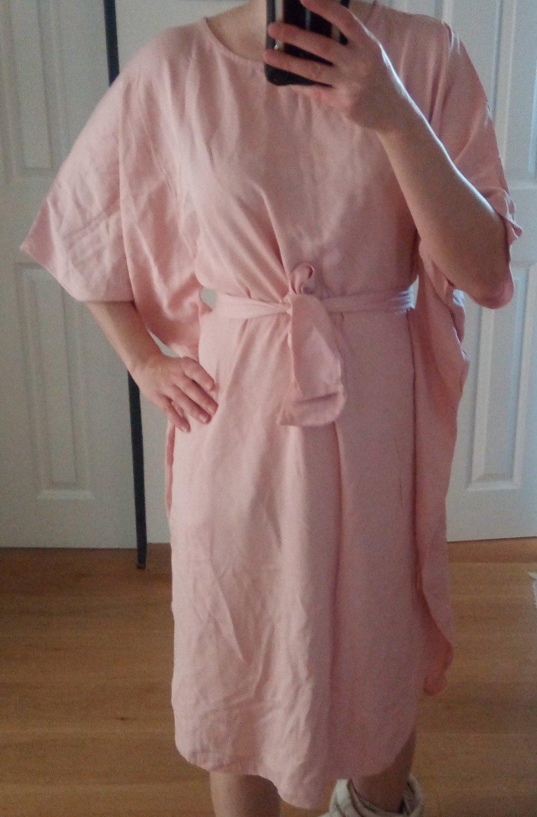Bledoružové šaty univeľkosť - Obrázok č. 1
