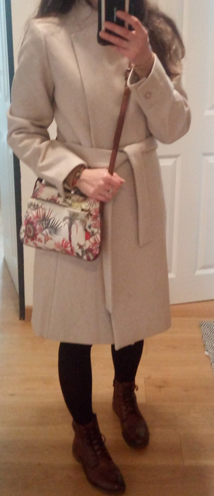 Béžový minimalistický vlnený kabát XS - Obrázok č. 2