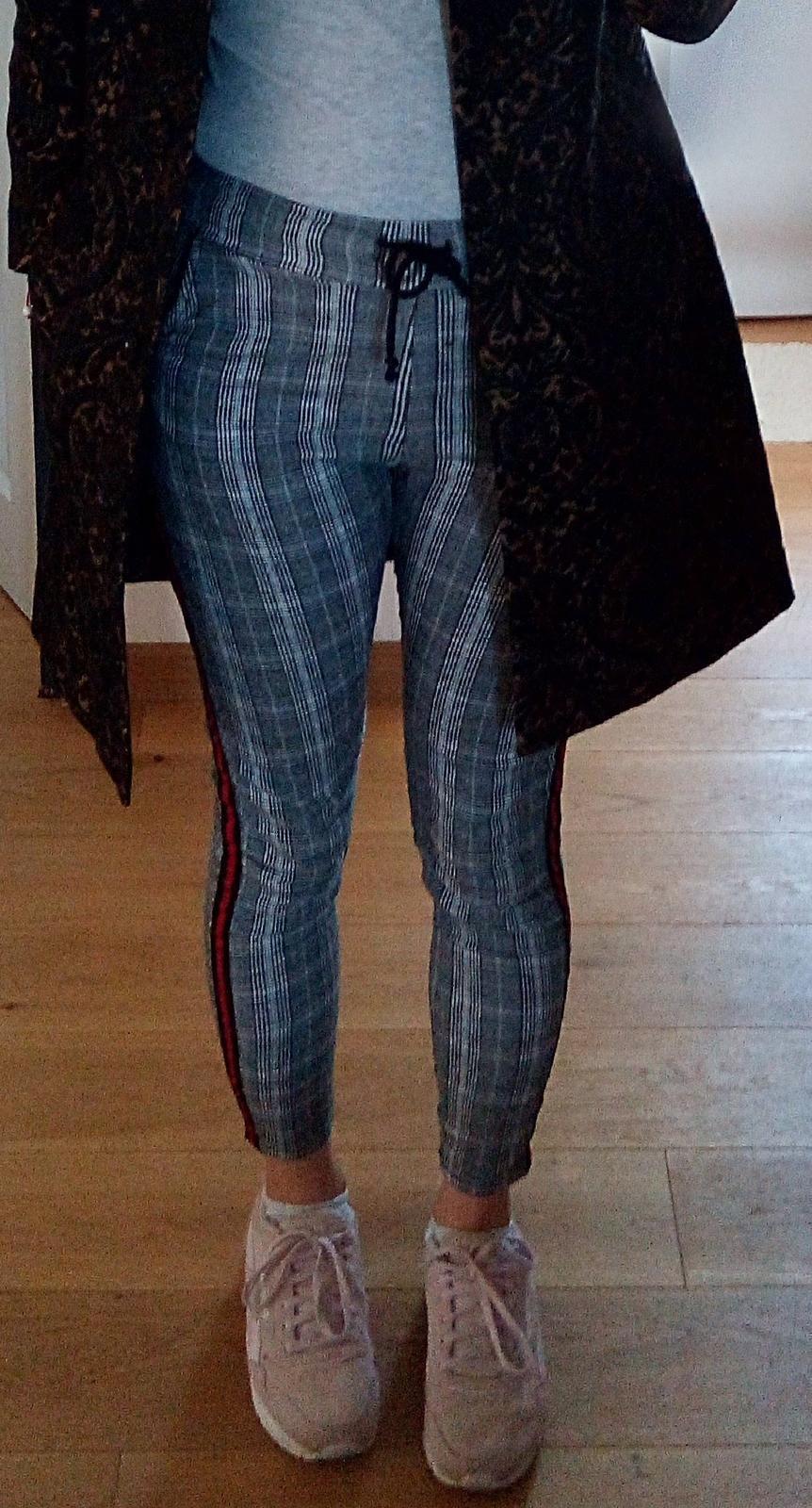 Kárované nohavice S - Obrázok č. 1