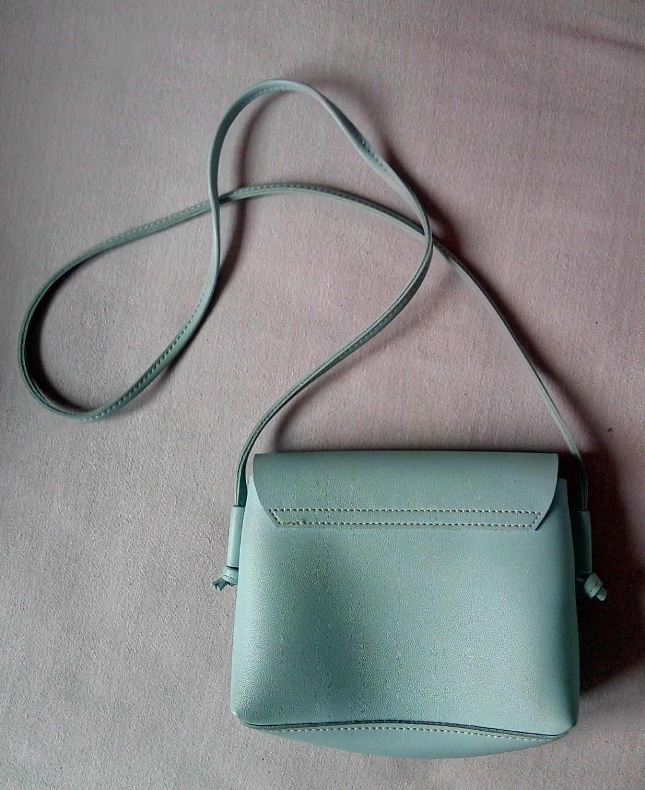 Bledomodrá malá crossbody kabelka - Obrázok č. 2