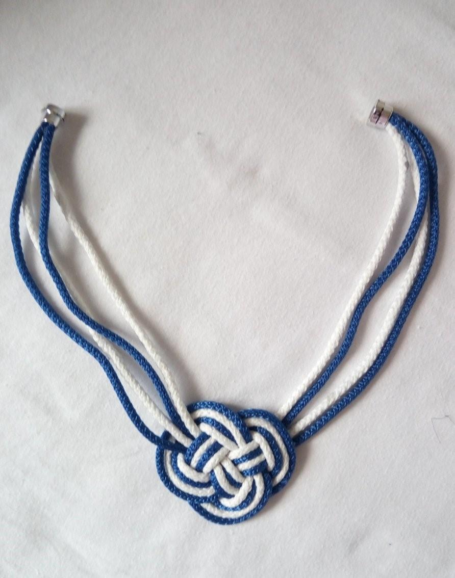 Handmade modro - biely náhrdelník a štrasové náušnice - Obrázok č. 2