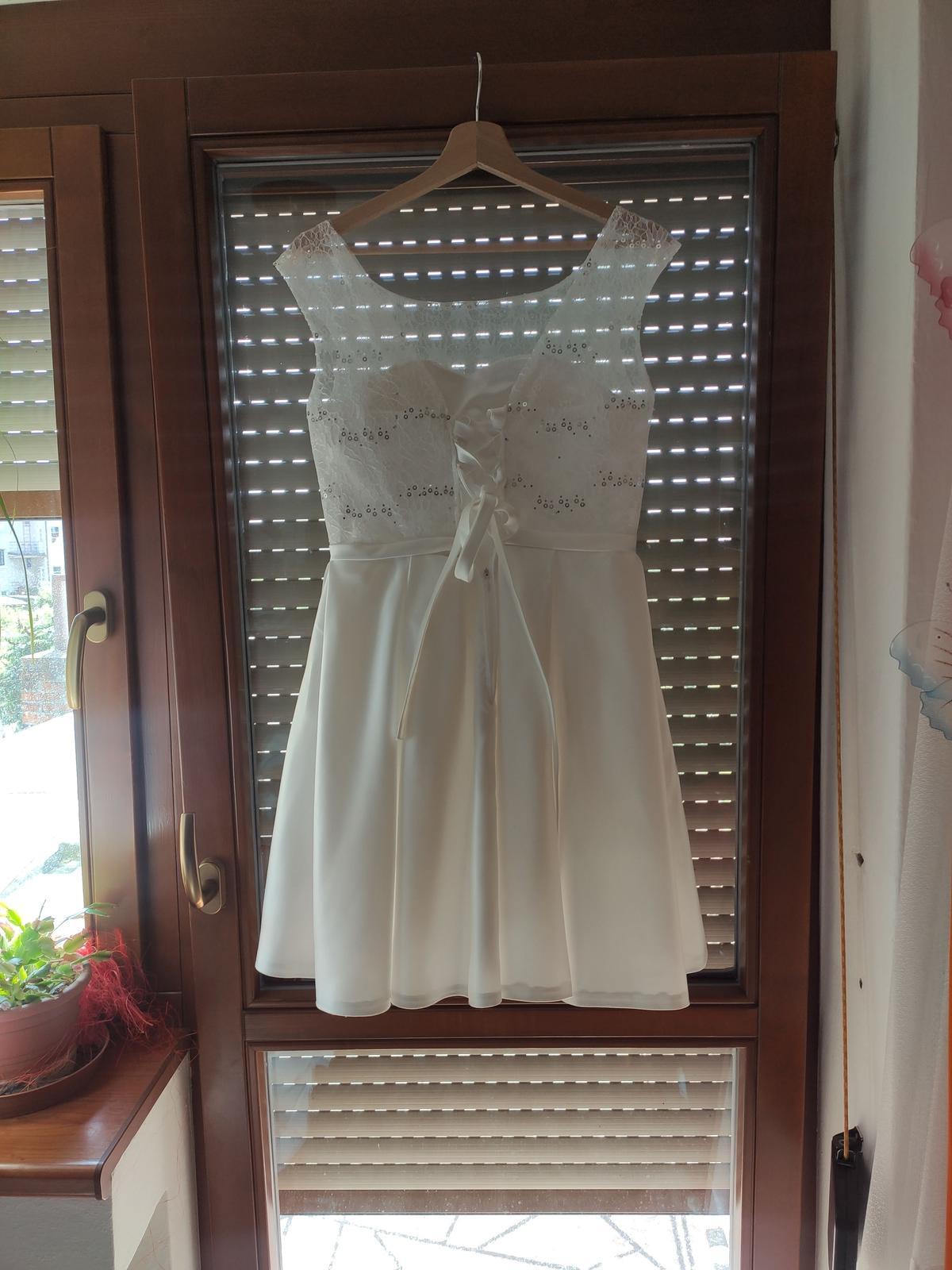 půlnoční šaty - Obrázek č. 2