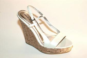 podobné botky obuv Mixer už mám
