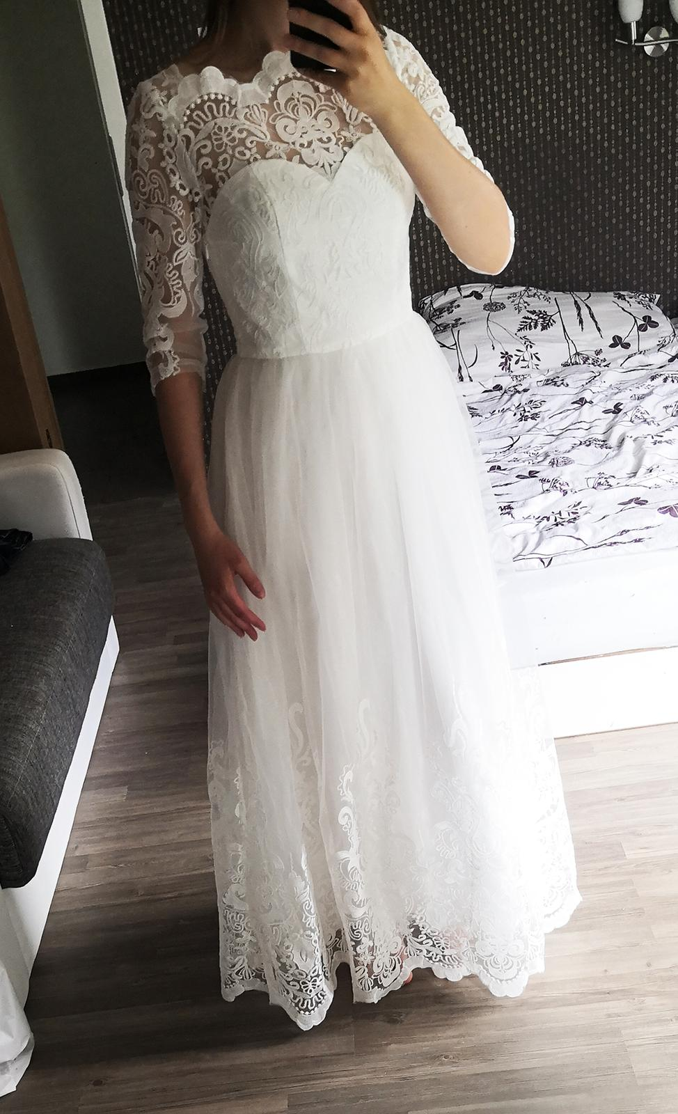 Romantické krajkové šaty Chi Chi London - Obrázek č. 1